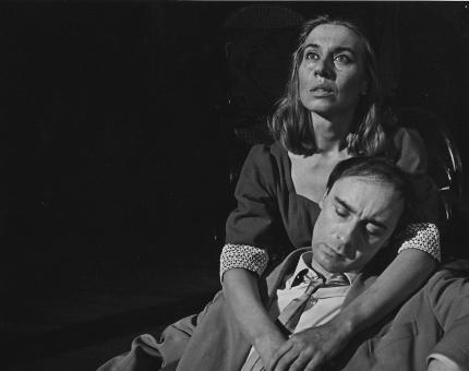 KNS 1964: Tine Balder (Josie) en Senne Rouffaer (James Tyrone) in Maneschijn voor de misdeelden (Eugene O'Neill), regie Lode Verstraete. © KNS-Archief in FelixArchief Stad Antwerpen, nr. 7564 (Foto: Reusens)
